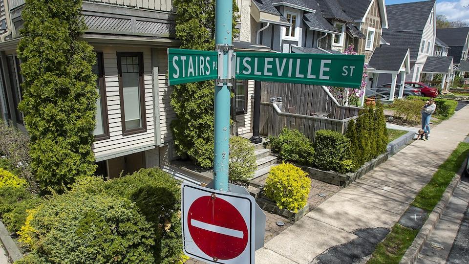 Intersection des rues Stairs et Isleville à Halifax.