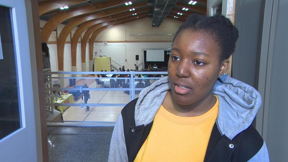 Nora Daihni, une étudiante de l'Université de Saint-Boniface.