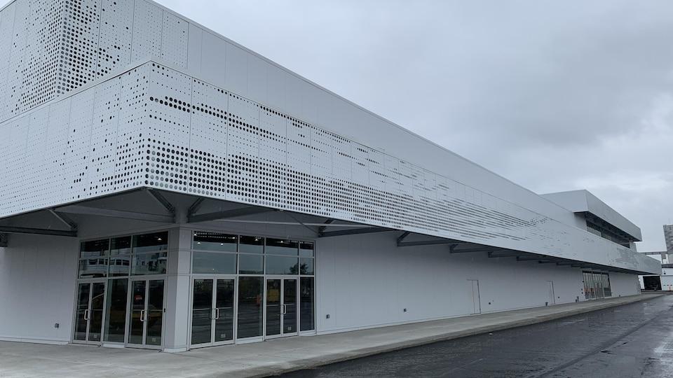Le nouveau terminal de croisières du port de Québec, vu de l'extérieur
