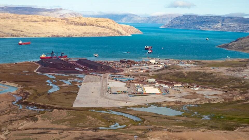 Le port de Milne Inlet, au nord de la mine de fer Mary River, au Nunavut.