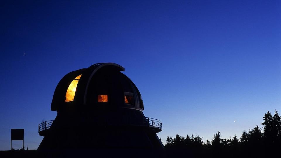 L'observatoire du Mont-Mégantic la nuit
