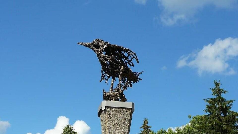 Sculpture d'oiseau de l'artiste Truong Chanh Trung