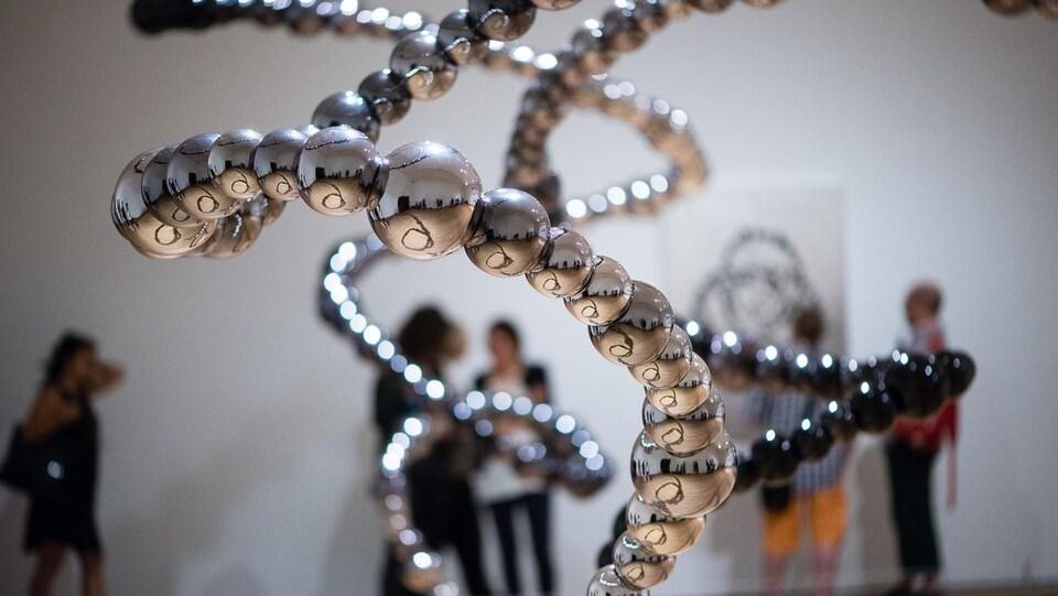 Jean-Michel Othoniel expose pour la première fois au Canada, au Musée des Beaux-Arts de Montréal.