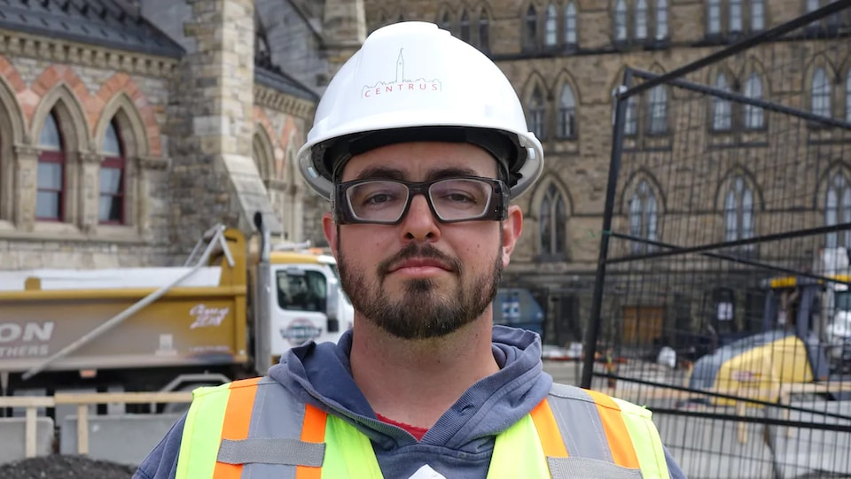 Stephen Jarrett sur un chantier.