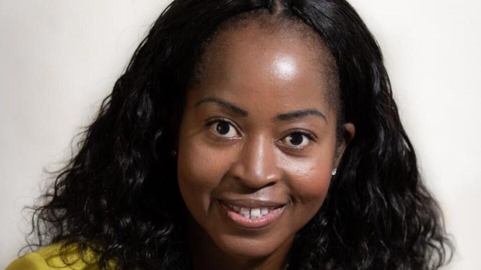 Portrait de Balguissa Ouedraogo. coordonnatrice de l'Agence de Placement et de Développement Internationale