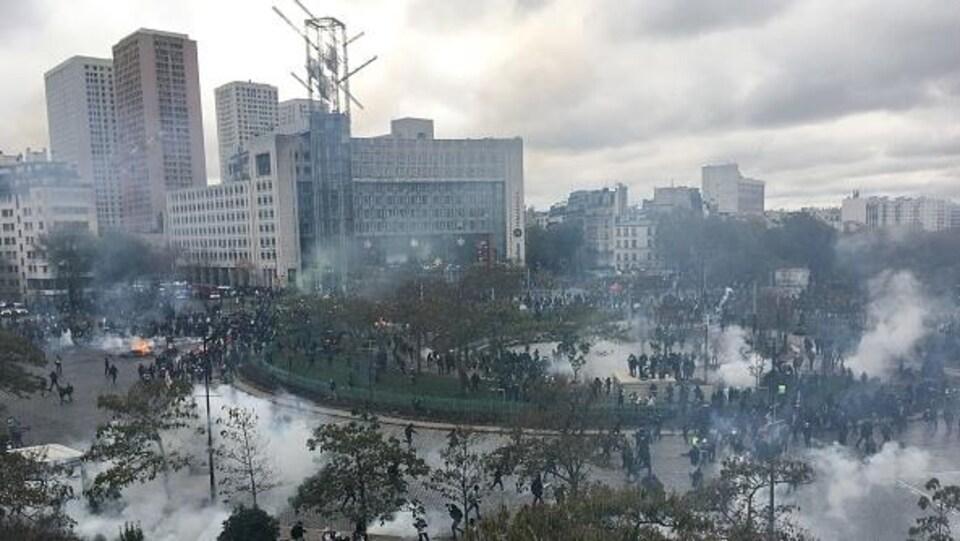 Affrontements entre les manifestants et les forces de police