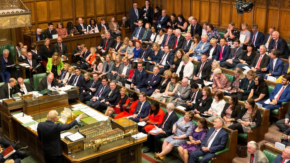 Le premier ministre britannique Boris Johnson prend la parole à la Chambre des communes à Londres, en Grande-Bretagne, le 3 septembre 2019.