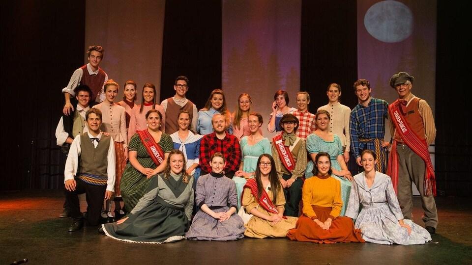 Des jeunes danseurs du pavillon canadien-français à Folklorama.