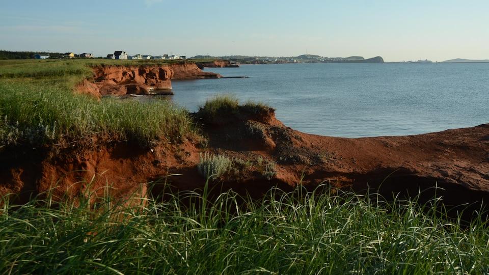 Des falaises des îles de la Madeleine