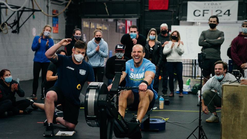 Pete Shaw pendant les CrossFit Games 2020 au gymnase CrossFit NCR à Ottawa.