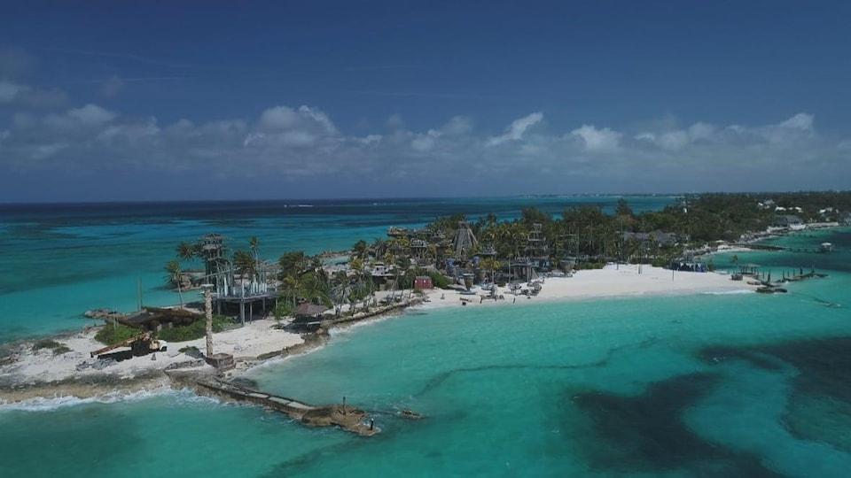 Vue d'une plage aux Bahamas.