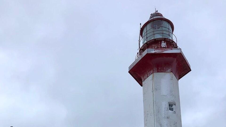 Le haut du phare de Métis-sur-Mer