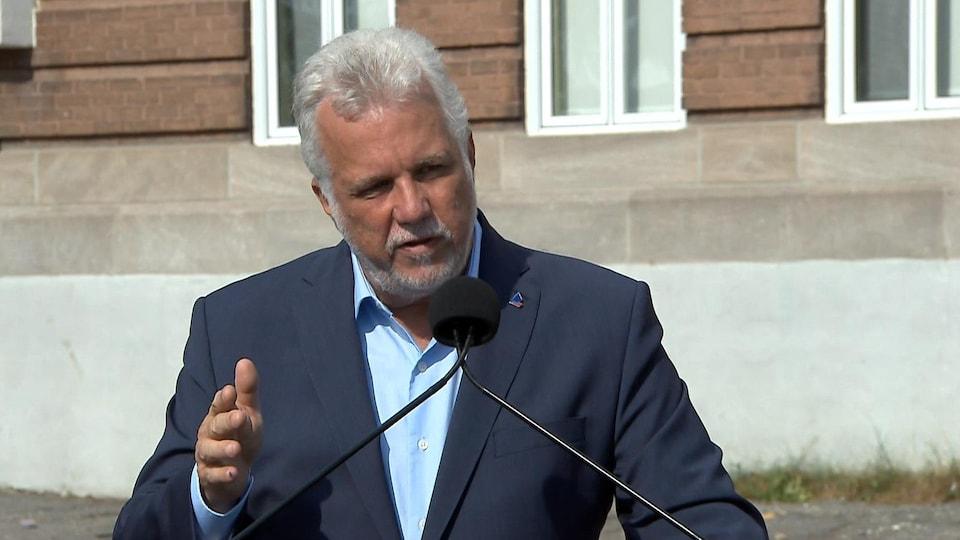 Philippe Couillard, en conférence de presse.