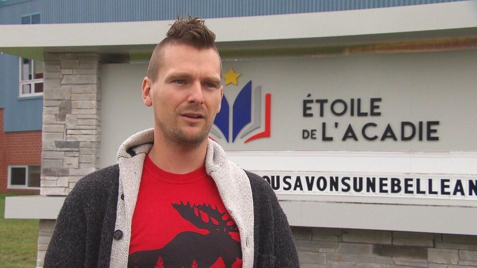 Philippe McCaie, enseignant à l'école Étoile de l'Acadie.