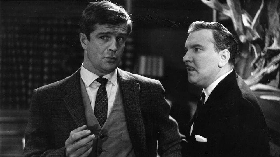 Les comédiens Gilles Pelletier et Jean Duceppe dans  «Trio» en 1960.
