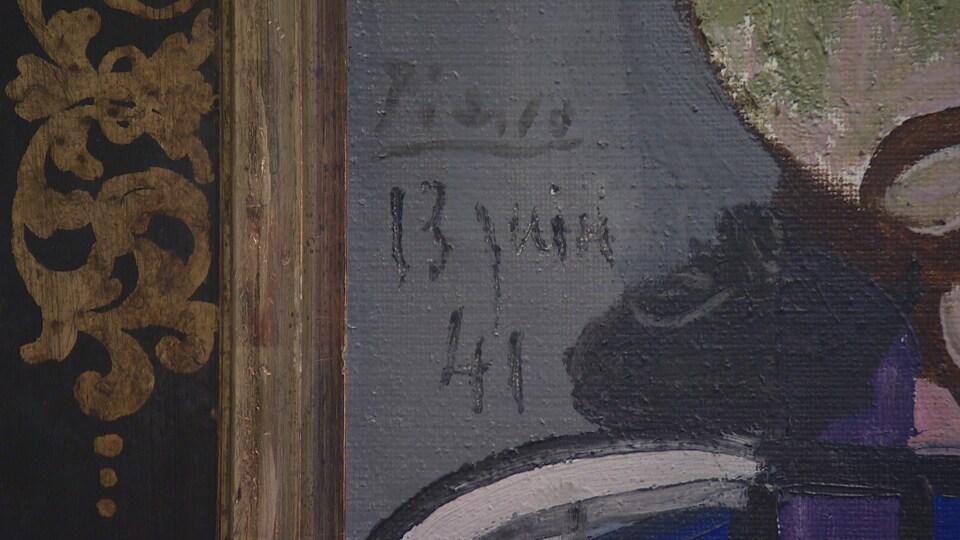 Signature distinctive du peintre Picasso sur un tableau.