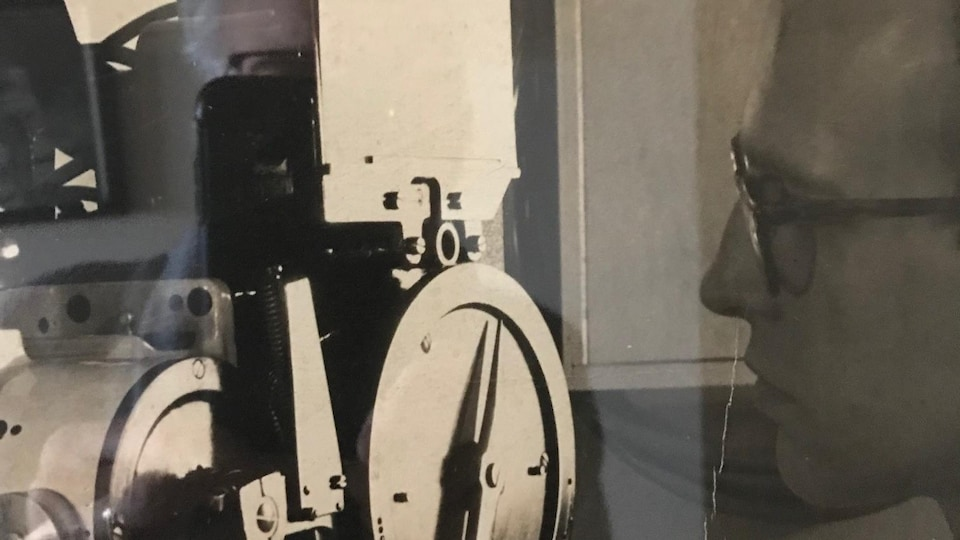 Photo de Pierre Comte, en 1954, à l'âge de 25 ans. Pierre est le grand-père paternel de Jérémy Comte.