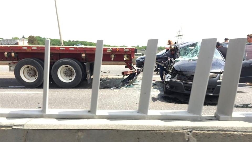 Trois véhicules sont entrés en collision.