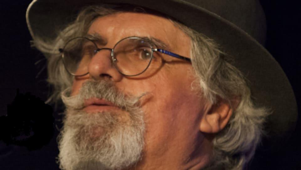 Le comédien-marionnettiste Pierre Robitaille