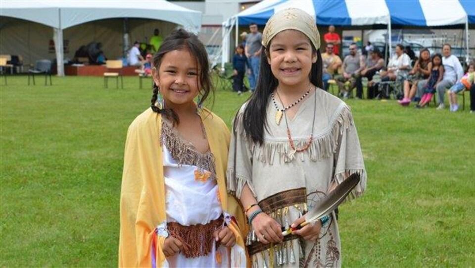 Jeunes filles lors d'un Pow Wow à Pikogan (archives)
