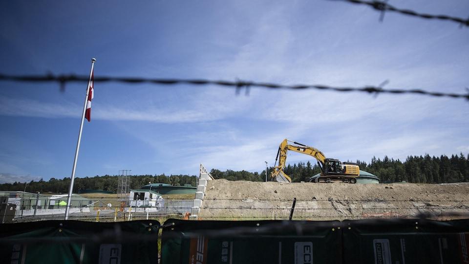 Des travailleurs sur le chantier de Trans Mountain à Burnaby.