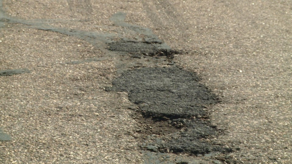 La piste de l'aéroport de Baie-Comeau nécessite des réparations