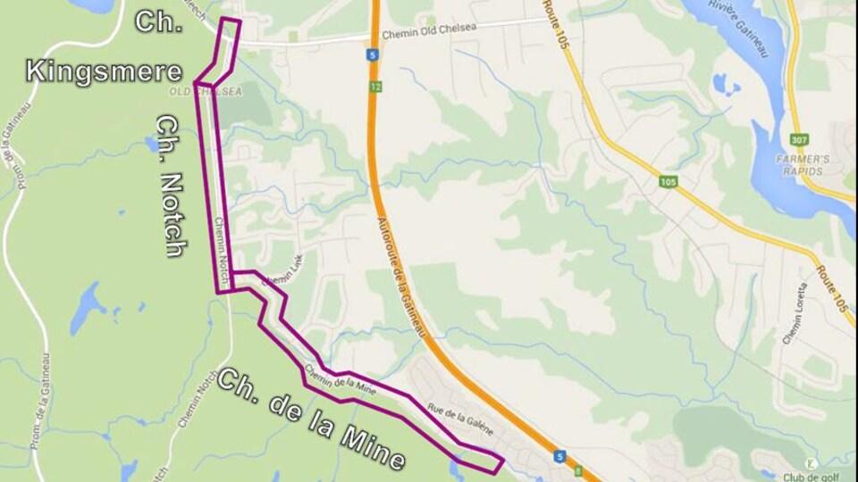 La carte montre en mauvaise le tracé de la piste cyclable