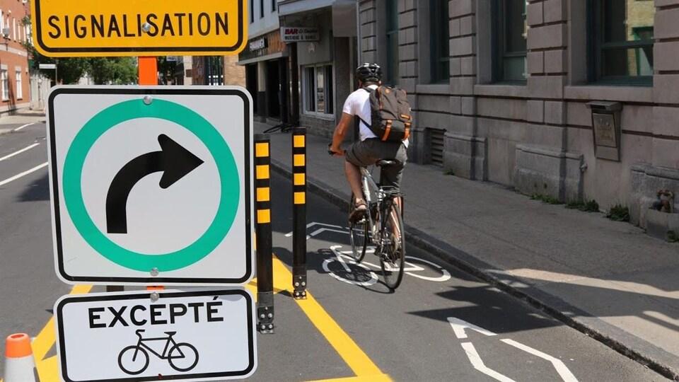 Le nombre de cyclistes qui empruntent la rue du Pont, dans le quartier Saint-Roch, à Québec, a quadruplé entre 2014 et 2016.