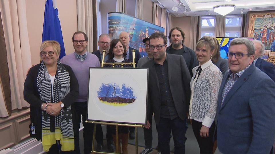Dévoilement d'une œuvre d'art en présence du maire de Québec, Régis Labeaume, et de représentants de la Fondation Cowboys Fringants et de ses partenaires.