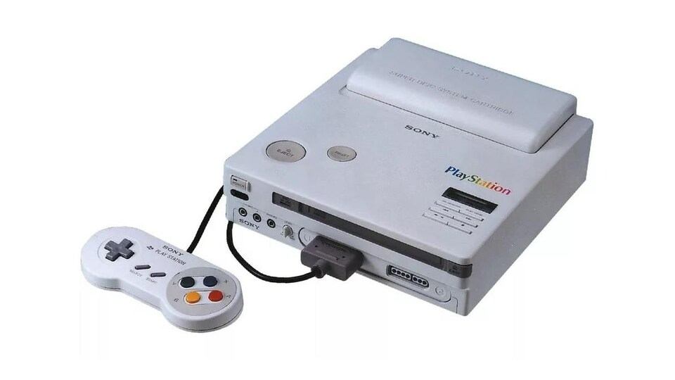 Une console Play Station, qui ressemble grossièrement à une Super Nintendo.