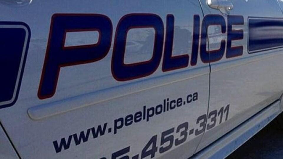 Un véhicule de la police de Peel.
