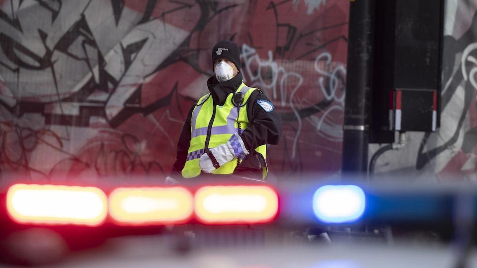 Un policier du SPVM en fonction.