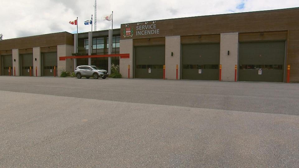 La caserne des pompiers à Sainte-Catherine-de-la-Jacques-Cartier.