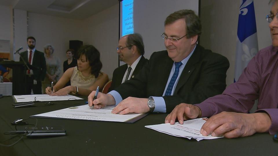 Signature d'intention de la stratégie ministérielle d'intégration professionnelle des Premières Nations et des Inuits.
