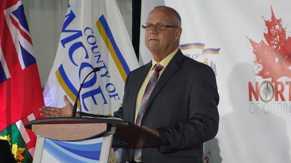 Le président de conseil du comté de Simcoe, Gerry Marshall