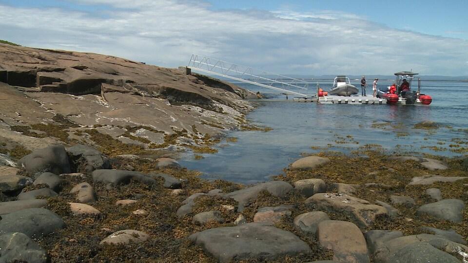 Le petit quai de Purmer sur l'îles Grosse Boule.