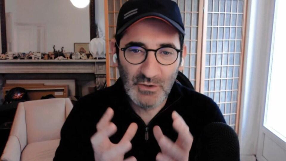 Tristan Mendès France, maître de conférence, Université de Paris, en entrevue avec l'émission Décrypteurs.