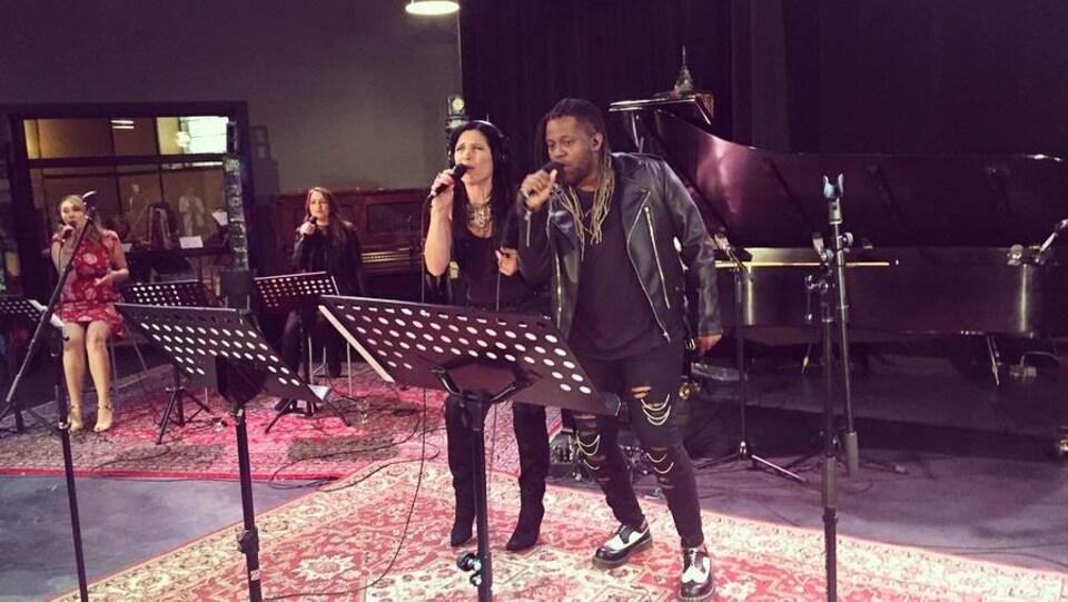 Rosa Laricchiuta et Redgee lors de la répétition du spectacle «Québec Issime chante Starmania»