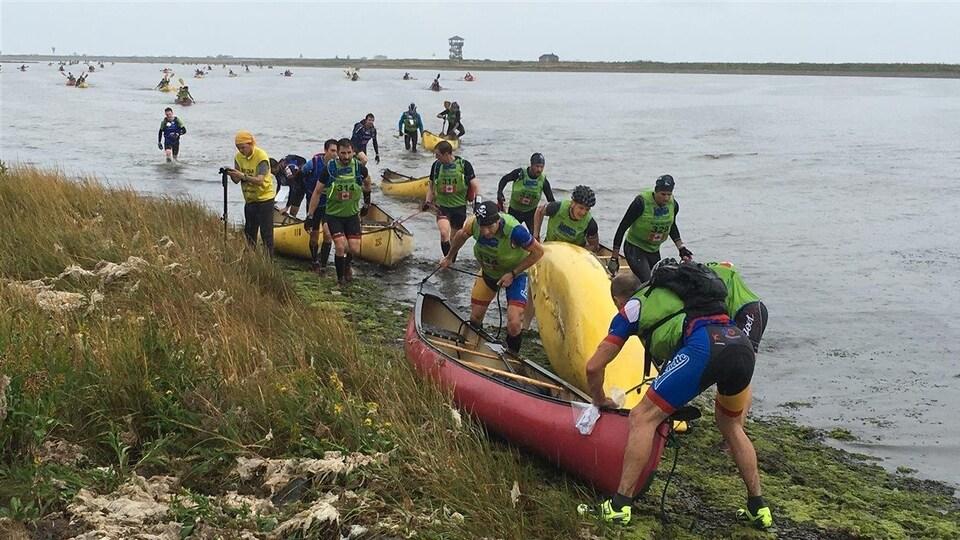 164 athlètes participent au troisième Raid international Gaspésien.