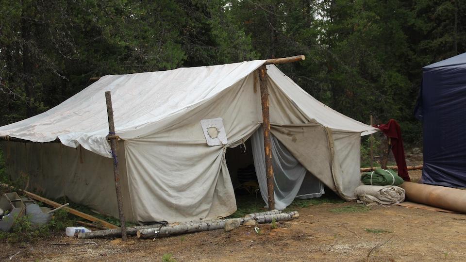 Une tente autochtone.