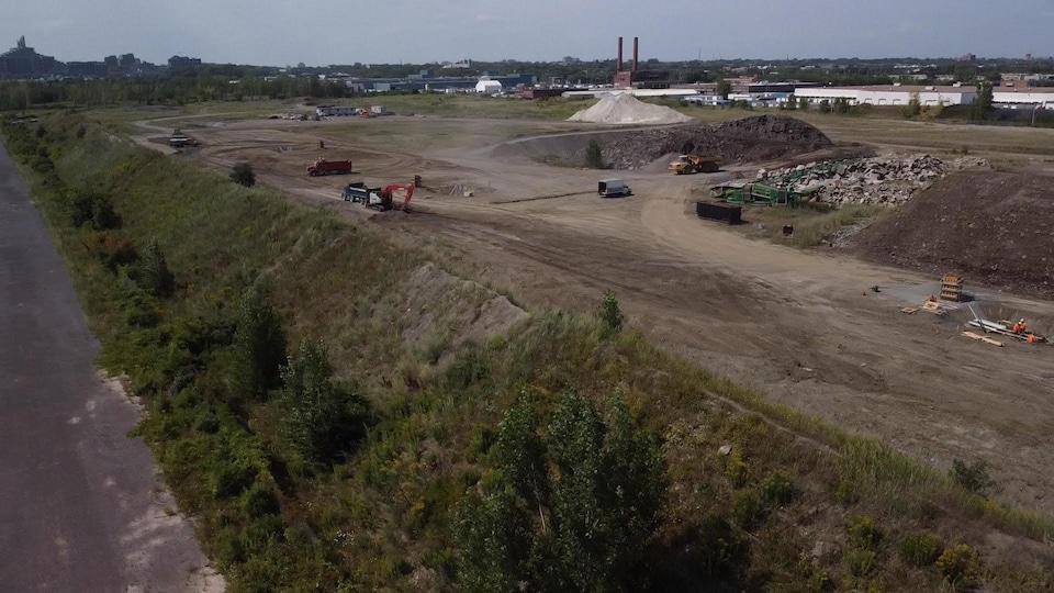 Ray-Mont Logistiques a acheté ce site industriel contaminé en 2016, dans l'arrondissement Mercier–Hochelaga-Maisonneuve.