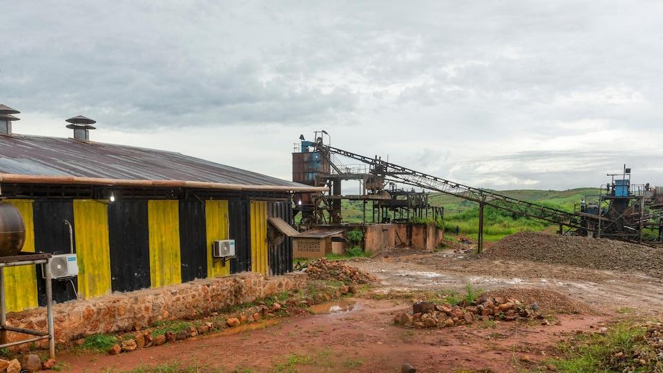 Vue générale d'une mine de diamants en République démocratique du Congo.