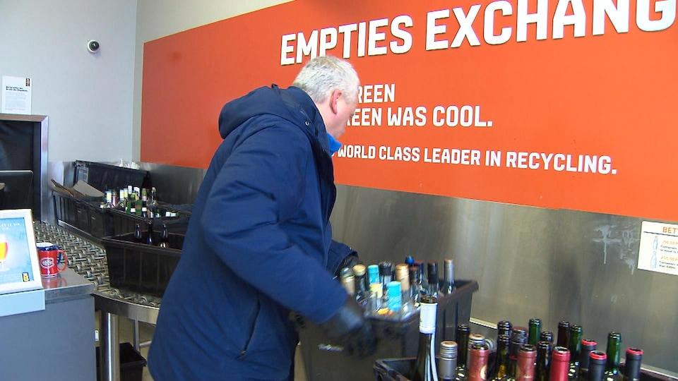 Consigne de bouteilles en verre en Ontario.
