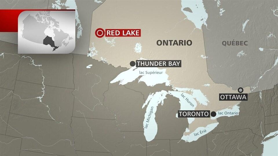 Red Lake est situé près de la frontière entre l'Ontario et le Manitoba.