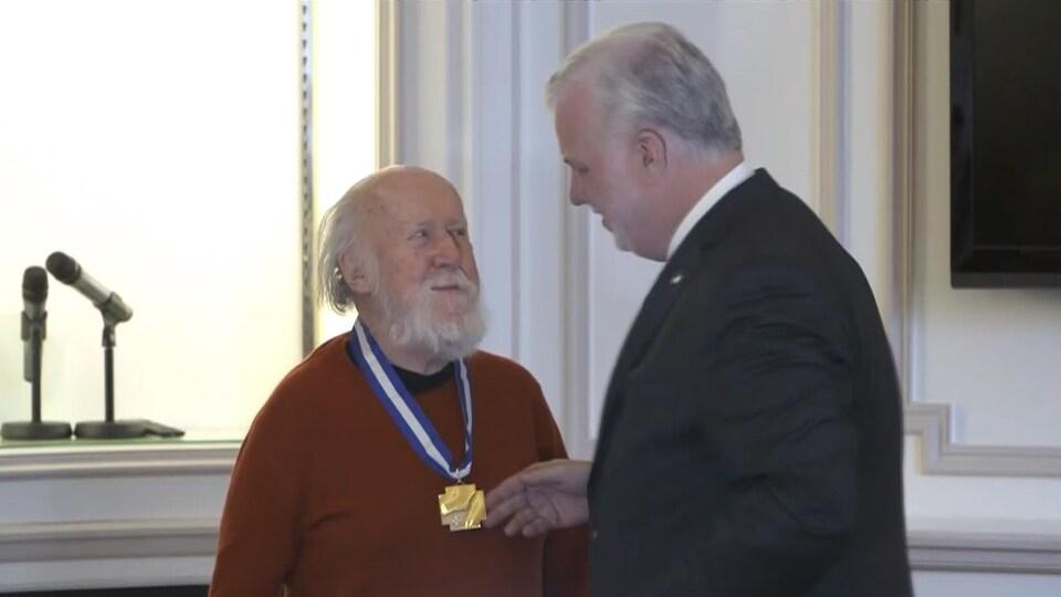 L'astrophysicien Hubert Reeves reçoit le grade de grand officier de l'Ordre national du Québec