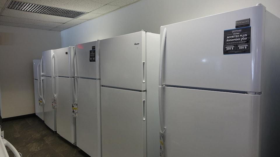 Des réfrigérateurs neufs