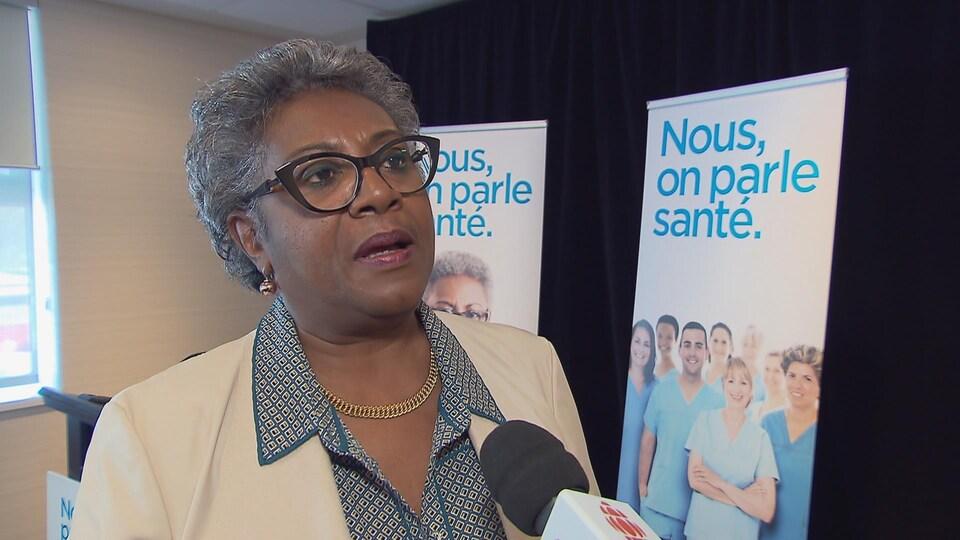 Régine Laurent, présidente de la FIQ