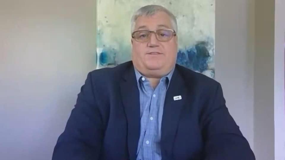 Rémi Sabourin, président de l'Association des enseignantes et des enseignants franco-ontariens, en entrevue par vidéoconférence.