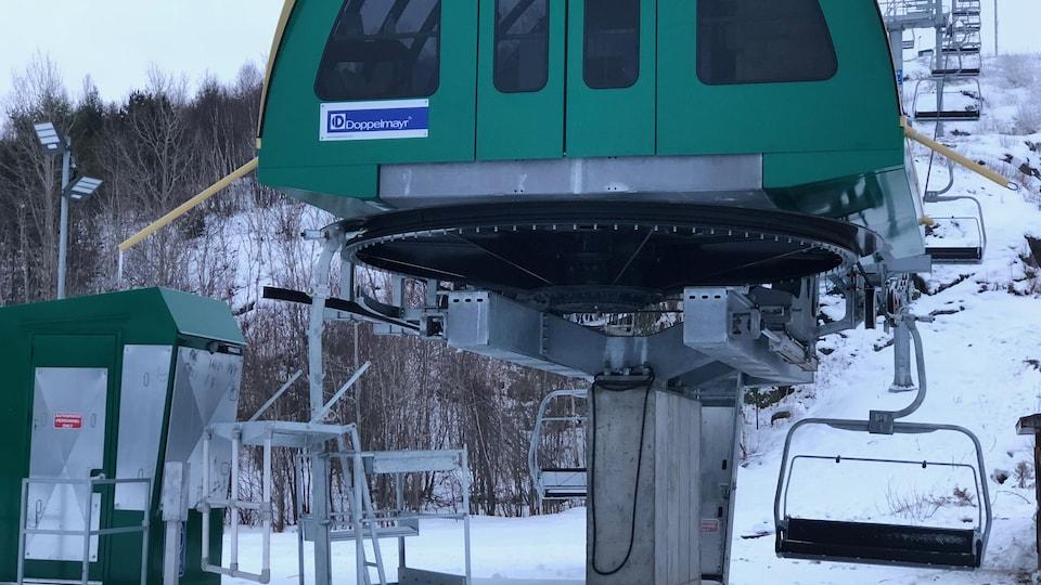 Le remonte-pente du centre de ski Adanac