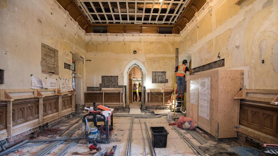 L'ensemble de l'édifice de l'Ouest est en cours de réhabilitation.
